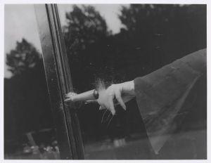 Lee-Miller-Exploding-Hand